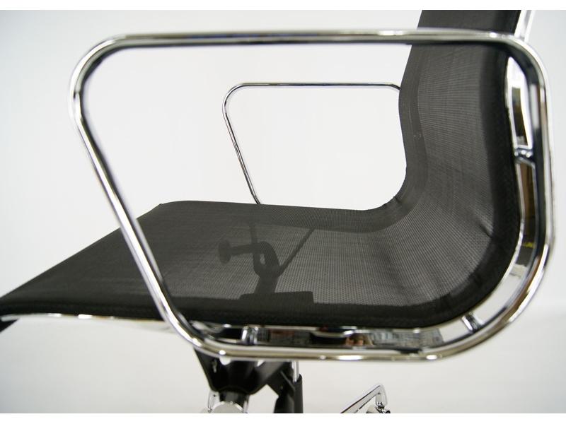 Bild von Stuhl-Design Eames Alu EA117 - Schwarz