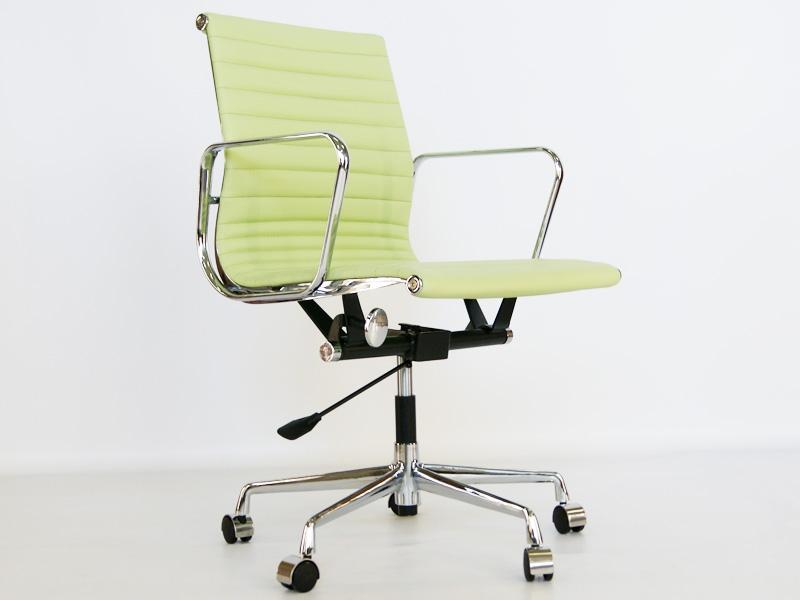 Bild von Stuhl-Design Eames Alu EA117 - Zitronen Grün