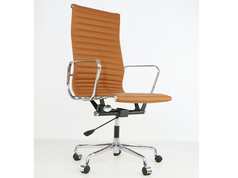 Bild von Stuhl-Design Eames Alu EA119 - Karamell