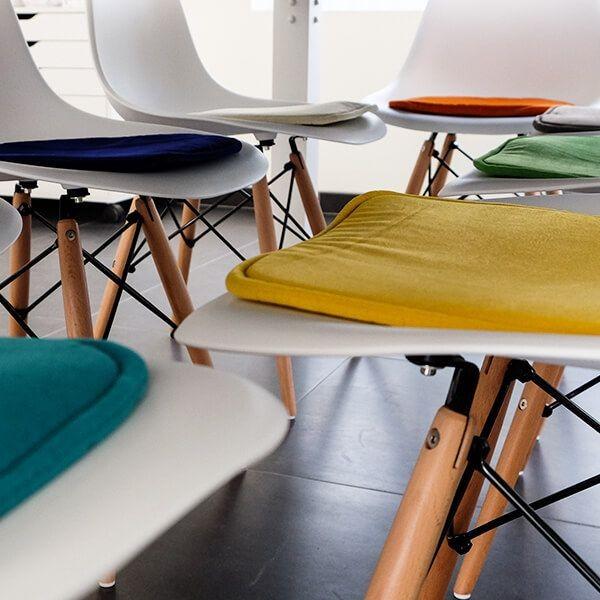 Bild von Stuhl-Design Eames Kissen - Gelb