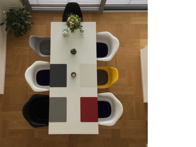 Bild von Stuhl-Design Eames Kissen - Hellbraun