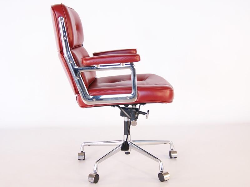 Bild von Stuhl-Design Eames Lobby ES104 - Dunkelrot