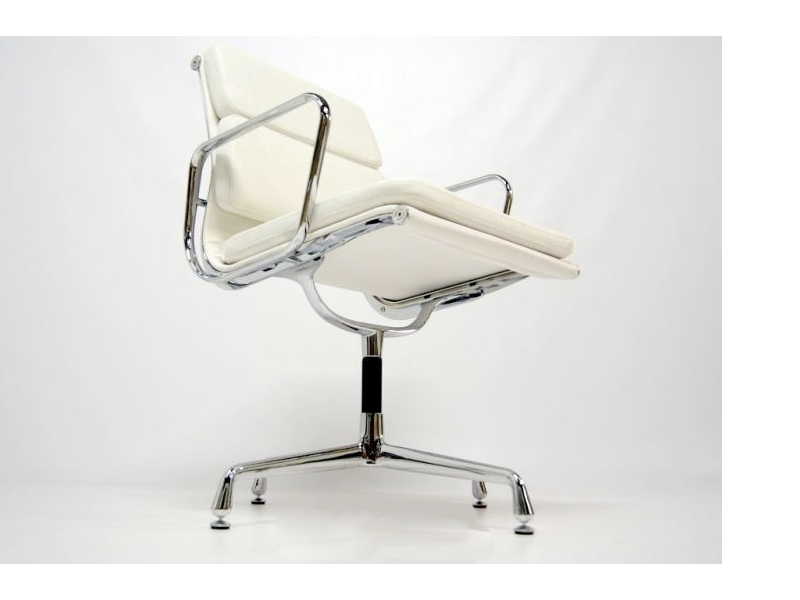 Bild von Stuhl-Design Eames Soft Pad EA208  - Weiß