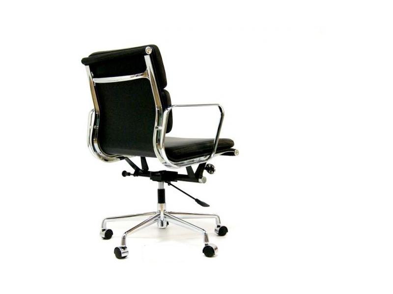 Stuhl eames soft pad ea217 schwarz for Stuhl italienisch