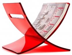 Bild von Stuhl-Design Zeitungsständer The Cross - Rot