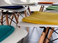 Bild von Stuhl-Design Eames Kissen - Dunkelblau