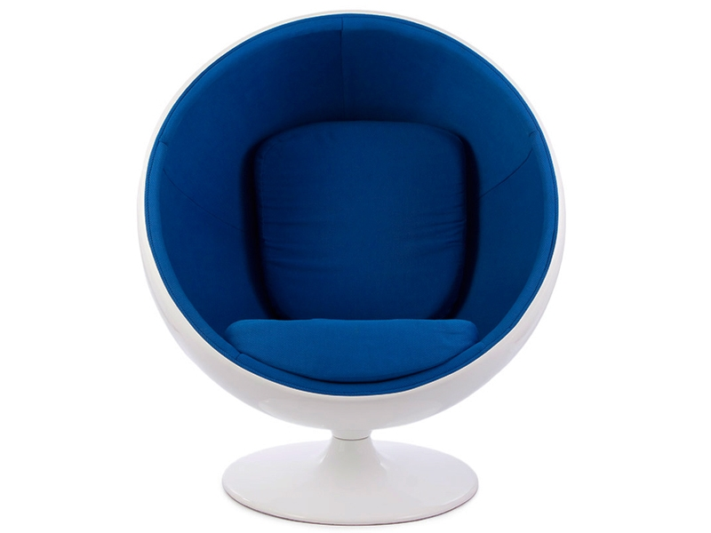 chaise ball eero aarnio bleu. Black Bedroom Furniture Sets. Home Design Ideas