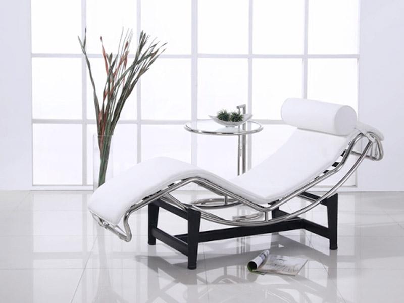 Lc4 sedia a sdraio bianco - Poltrone famose design ...