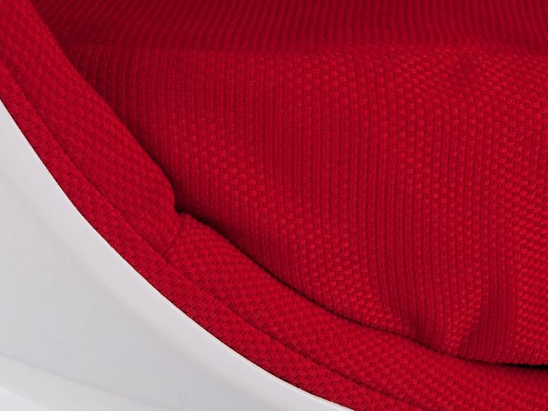 Image du fauteuil design Poltrona Egg ovale - Rosso