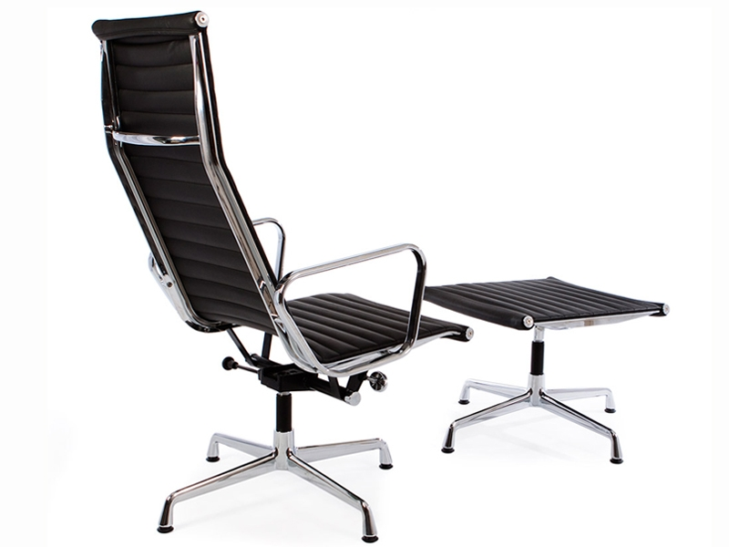 Sedia lounge ea124 nera - Poltrone famose design ...