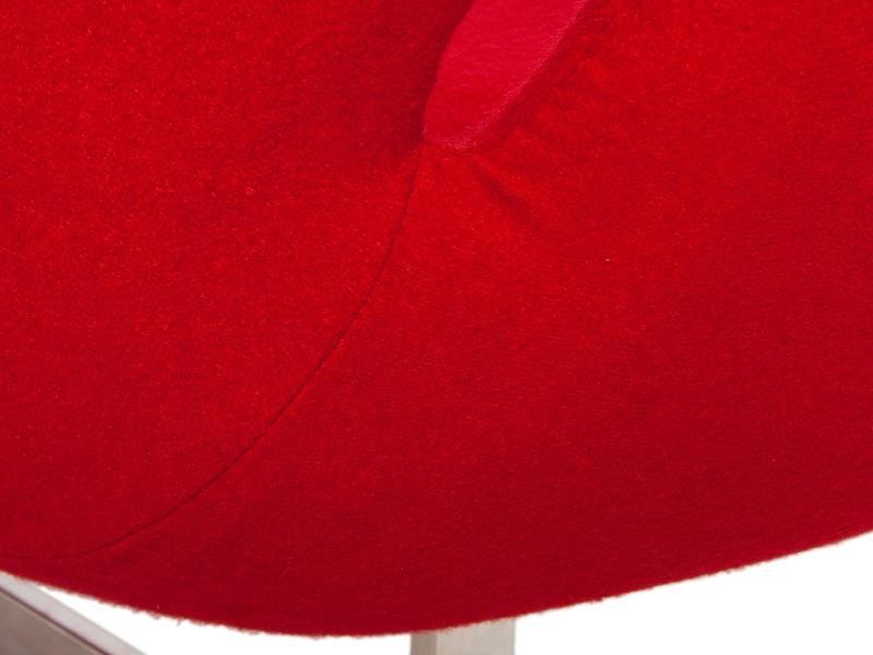 Image du fauteuil design Swan 2 posti Arne Jacobsen - Rosso