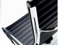 Image du fauteuil design Chaise Lounge EA124 - Noir