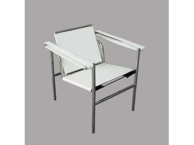 Sedia lc1 le corbusier bianca - Poltrone famose design ...