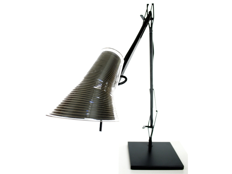 lampe de bureau kelvin t noir. Black Bedroom Furniture Sets. Home Design Ideas