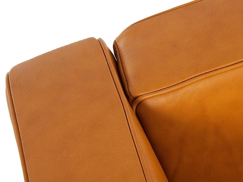Image du mobilier design LC2 Le Corbusier 3 plazas - Caramelo