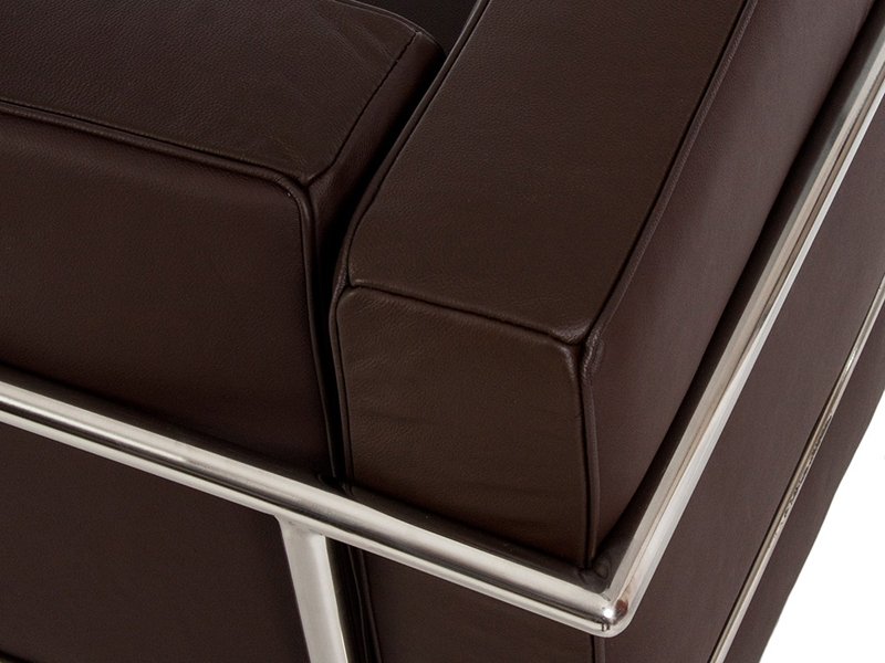 Image du mobilier design LC2 Le Corbusier 3 posti - Marrone