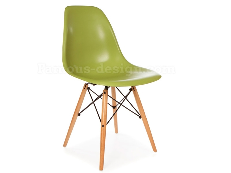 Image du mobilier design Table d appoint Eames et 2 chaises