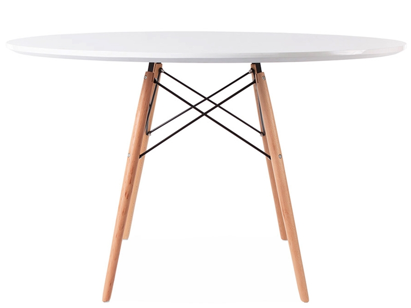 Image du mobilier design Table Eames WDW et 4 chaises