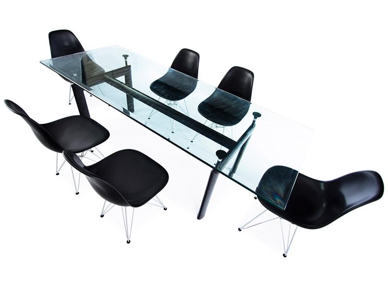 table lc6 le corbusier et 6 chaises. Black Bedroom Furniture Sets. Home Design Ideas
