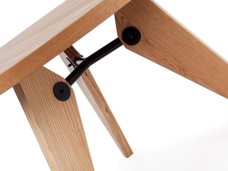 Image du mobilier design Tavola rotonda Prouvé con 4 sedie