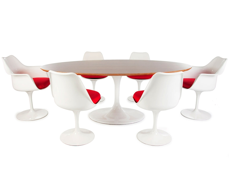 Tavolo ovale saarinen con 6 sedie for Copie mobili design