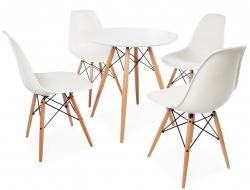 Image du mobilier design Table d'appoint Eames et 4 chaises