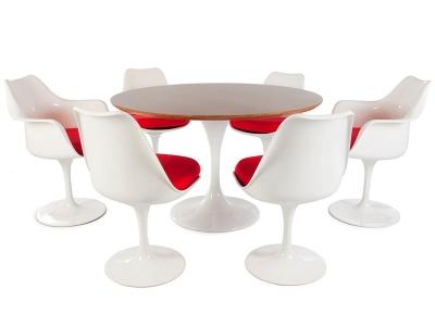 Image du mobilier design Tavolo Tulip Saarinen con 6 sedie