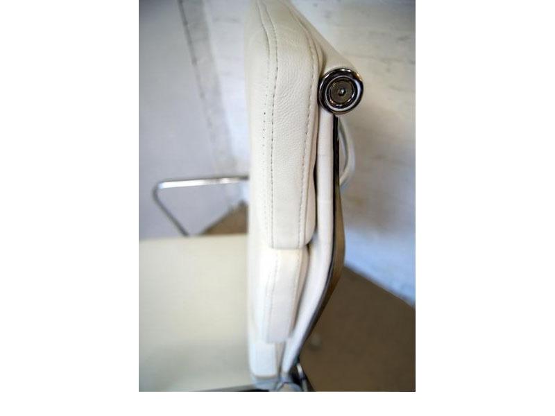 Image de la chaise design Eames Soft Pad EA219 - Blanco