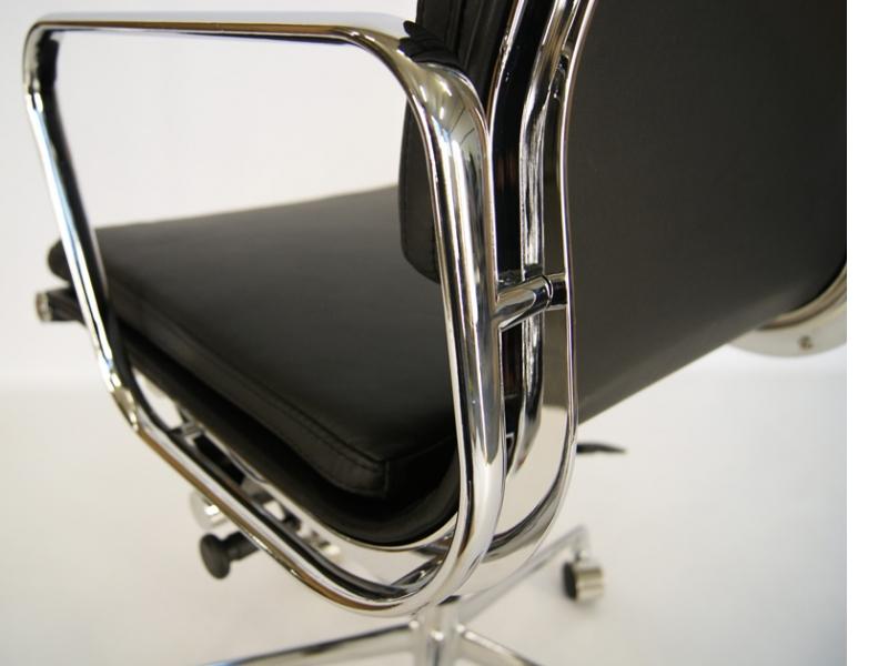 Image de la chaise design Eames Soft Pad EA219 - Noir