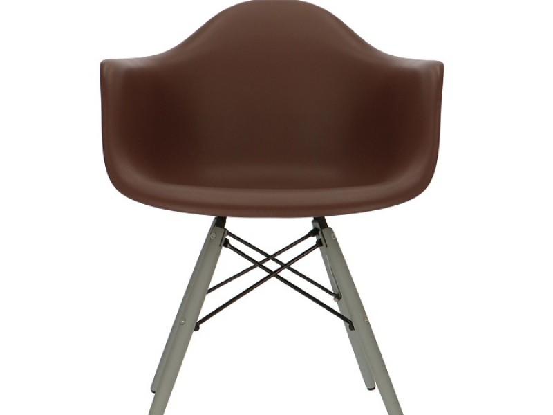 Image de la chaise design Silla DAW - Marrón