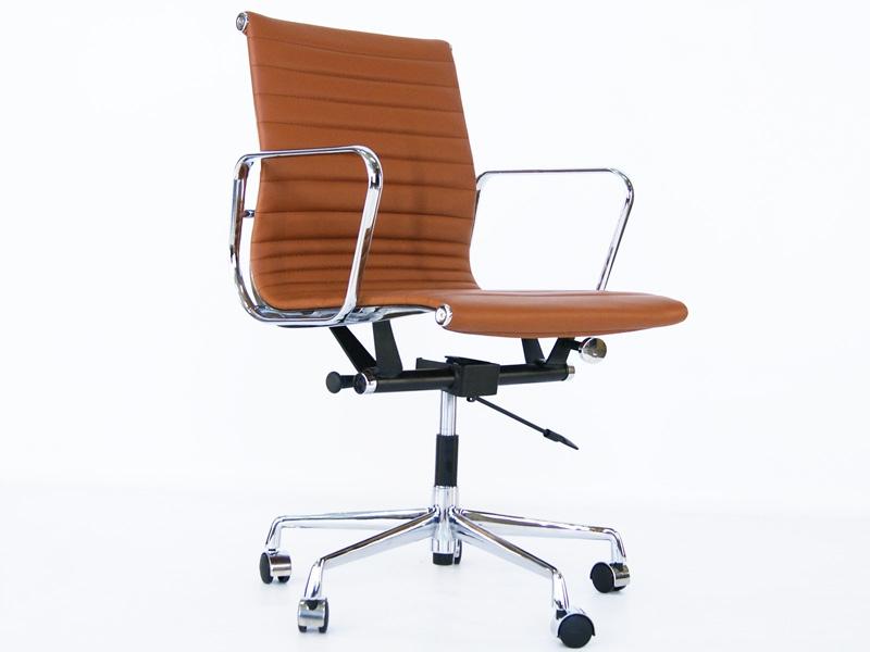 Image de la chaise design Silla Eames Alu EA117 - Caramelo