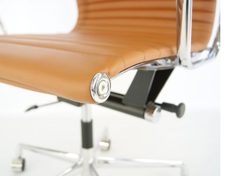 Image de la chaise design Silla Eames Alu EA119 - Caramelo