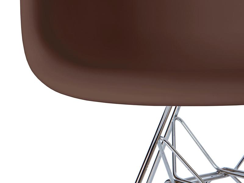 Image de la chaise design Silla Eames DAR - Café