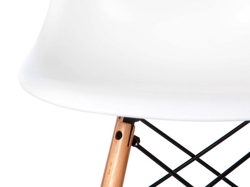 Image de la chaise design Silla Eames DSW - Blanca
