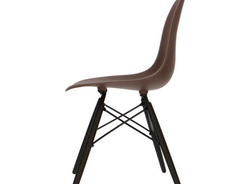 Image de la chaise design Silla Eames DSW - Marrón