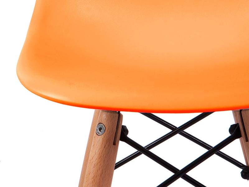 Image de la chaise design Silla Eames Niño - Anaranjado