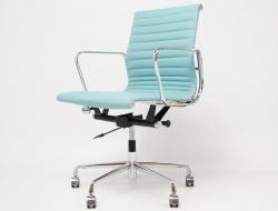 Image de la chaise design Silla Eames Alu EA117 - Azul cielo
