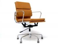Image de la chaise design Eames Soft Pad EA217 - Habana