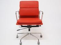 Image de la chaise design Eames Soft Pad EA217 - Rojo