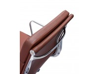 Image de la chaise design Eames Soft Pad EA219 - Cognac