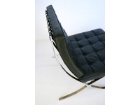 Image de la chaise design Silla Barcelona - Negra