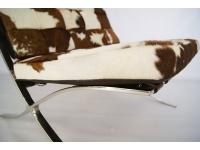 Image de la chaise design Silla Barcelona Pony - Marrón & blanco