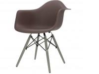 Image de la chaise design Silla DAW - Marron oscuro