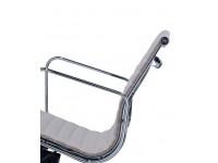 Image de la chaise design Silla Eames Alu EA117 - Gris beige