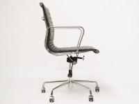 Image de la chaise design Silla Eames Alu EA117 - Negro