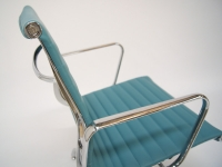 Image de la chaise design Silla visitante EA108 - Azul