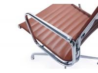 Image de la chaise design Silla visitante EA108 - Cognac