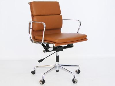Image de la chaise design Eames Soft Pad EA217 - Caramelo