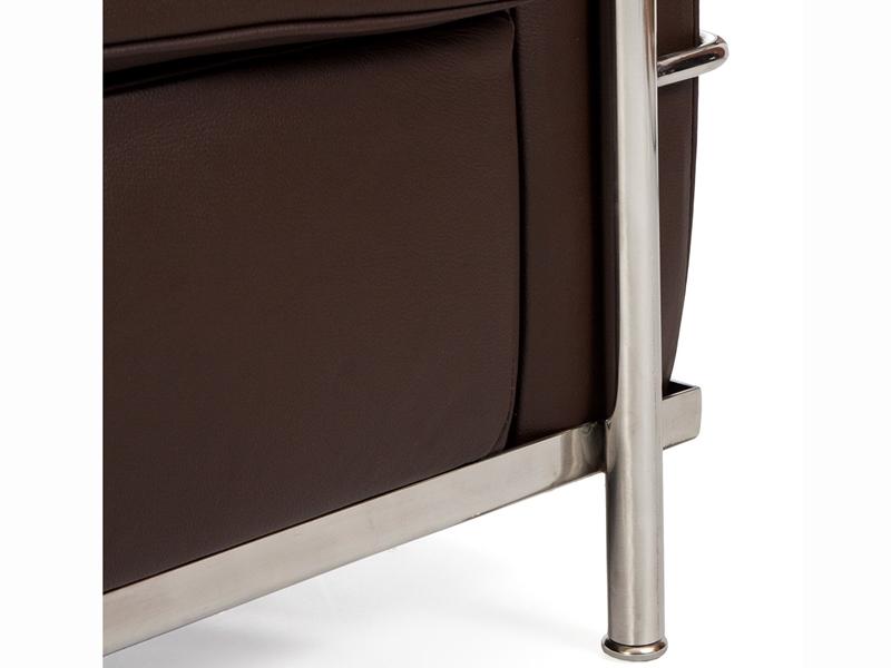 Image du fauteuil design LC2 Le Corbusier - Marrón oscuro