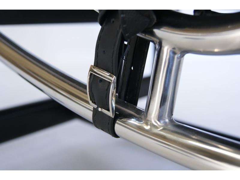 Image du fauteuil design LC2 Silla tumbona - Negro